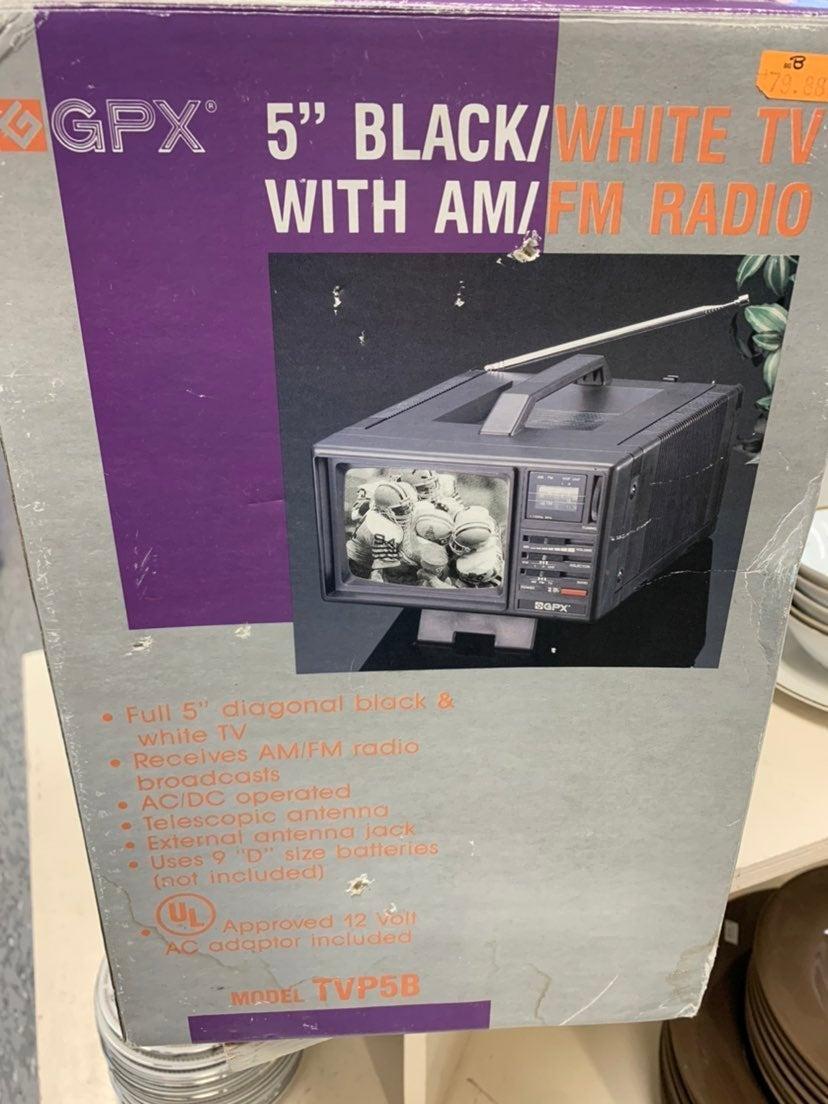 Vintage GPX Portable TV and FM/AM Radio
