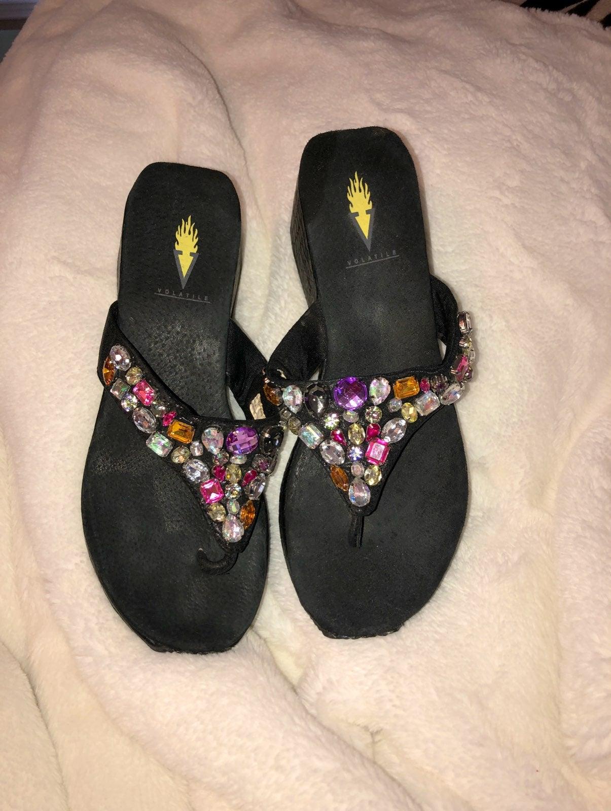 Volatile women's beaded leather sandals