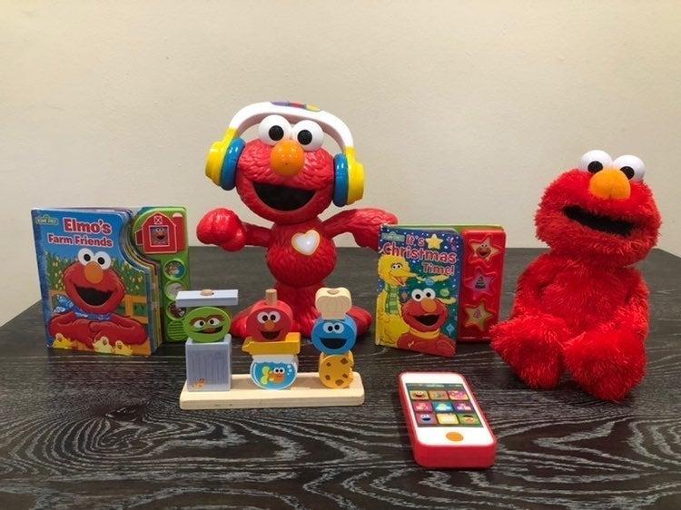 Bundle of Elmo toys & books