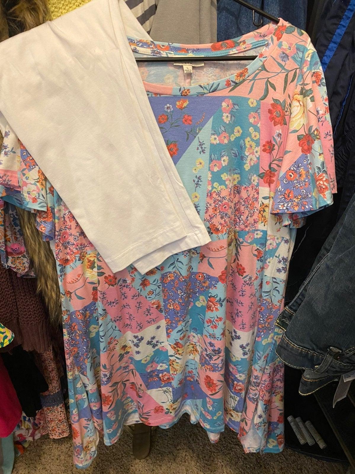 Umgee New Dress with NWT white leggings