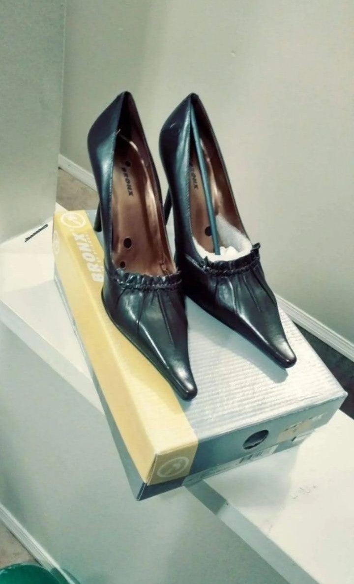 Bronx heels size 7.5