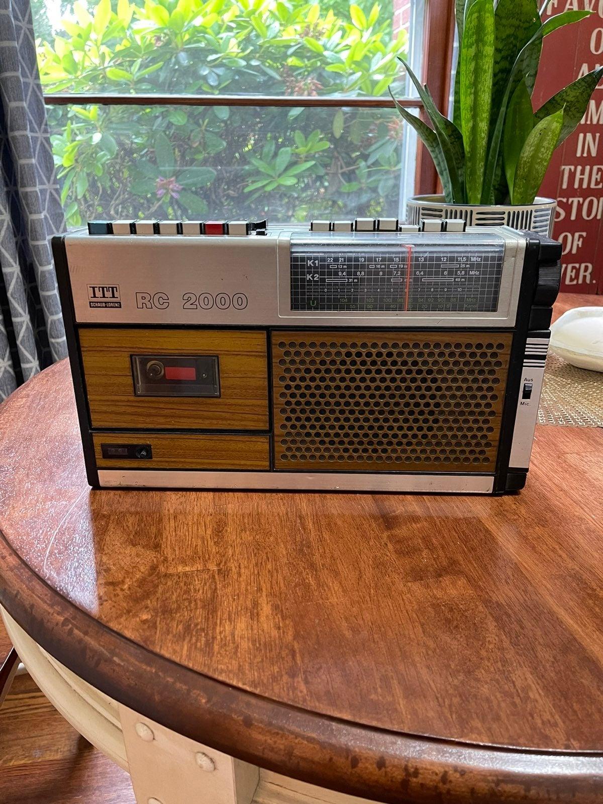ITT Schaub Lorenz RC 2000 Portable Radio