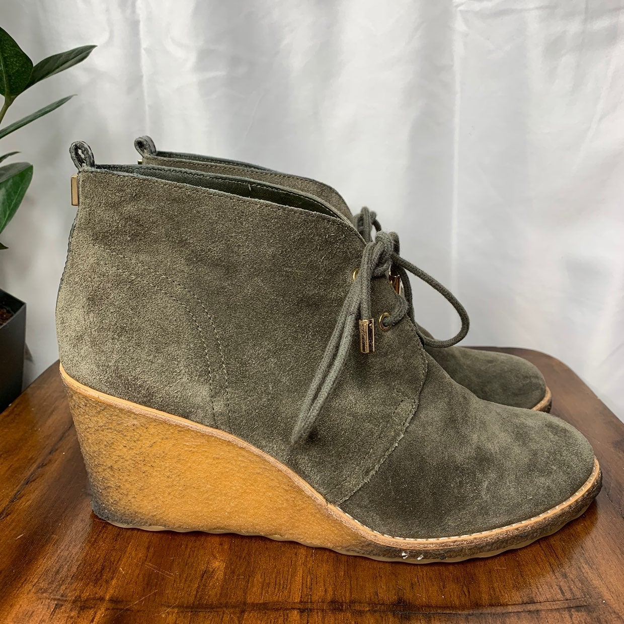 Tory Burch army green leather wedges