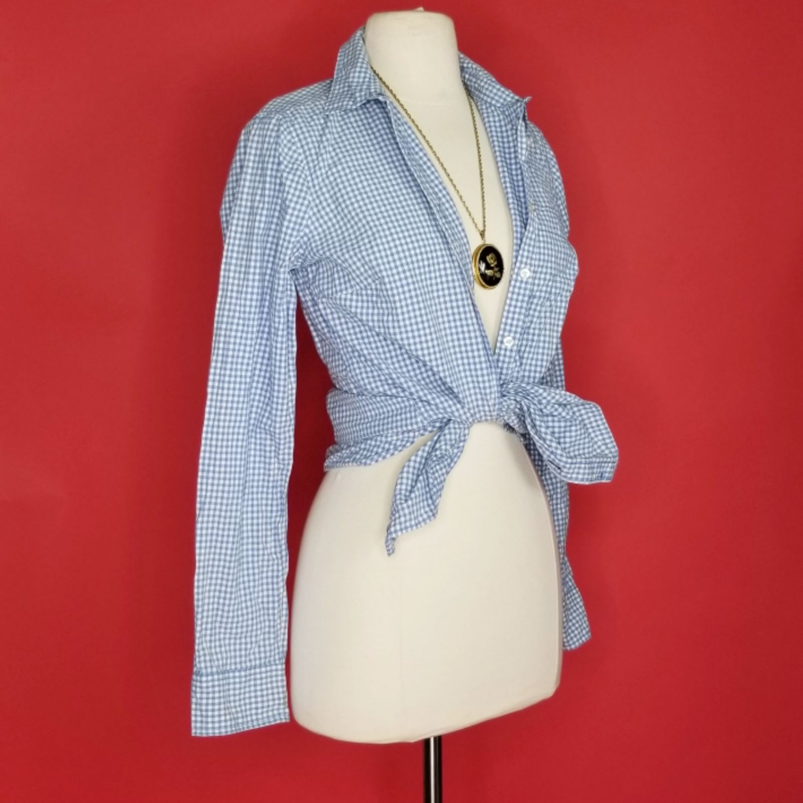 Cute gingham blue & white button up