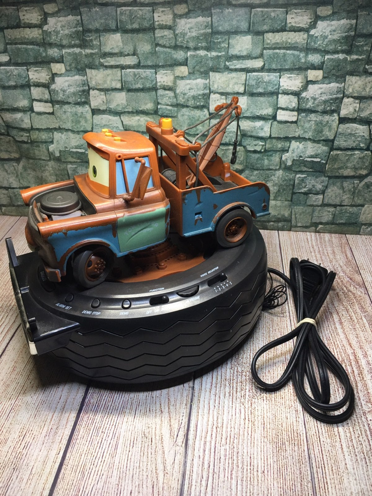 Disney Pixar CARS Tow Mater Clock Radio