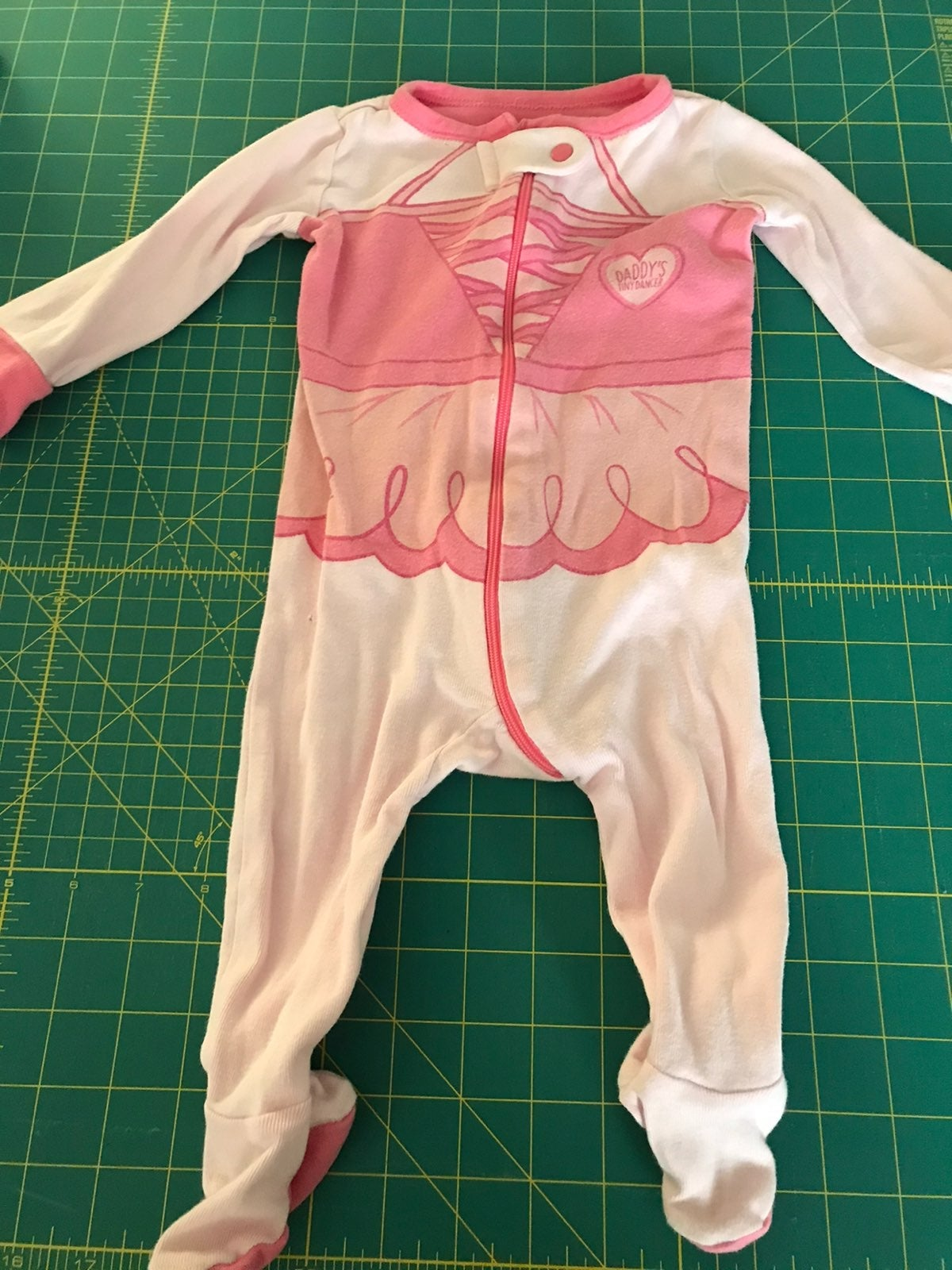 Childrens place footed sleeper sz 3/6 mo