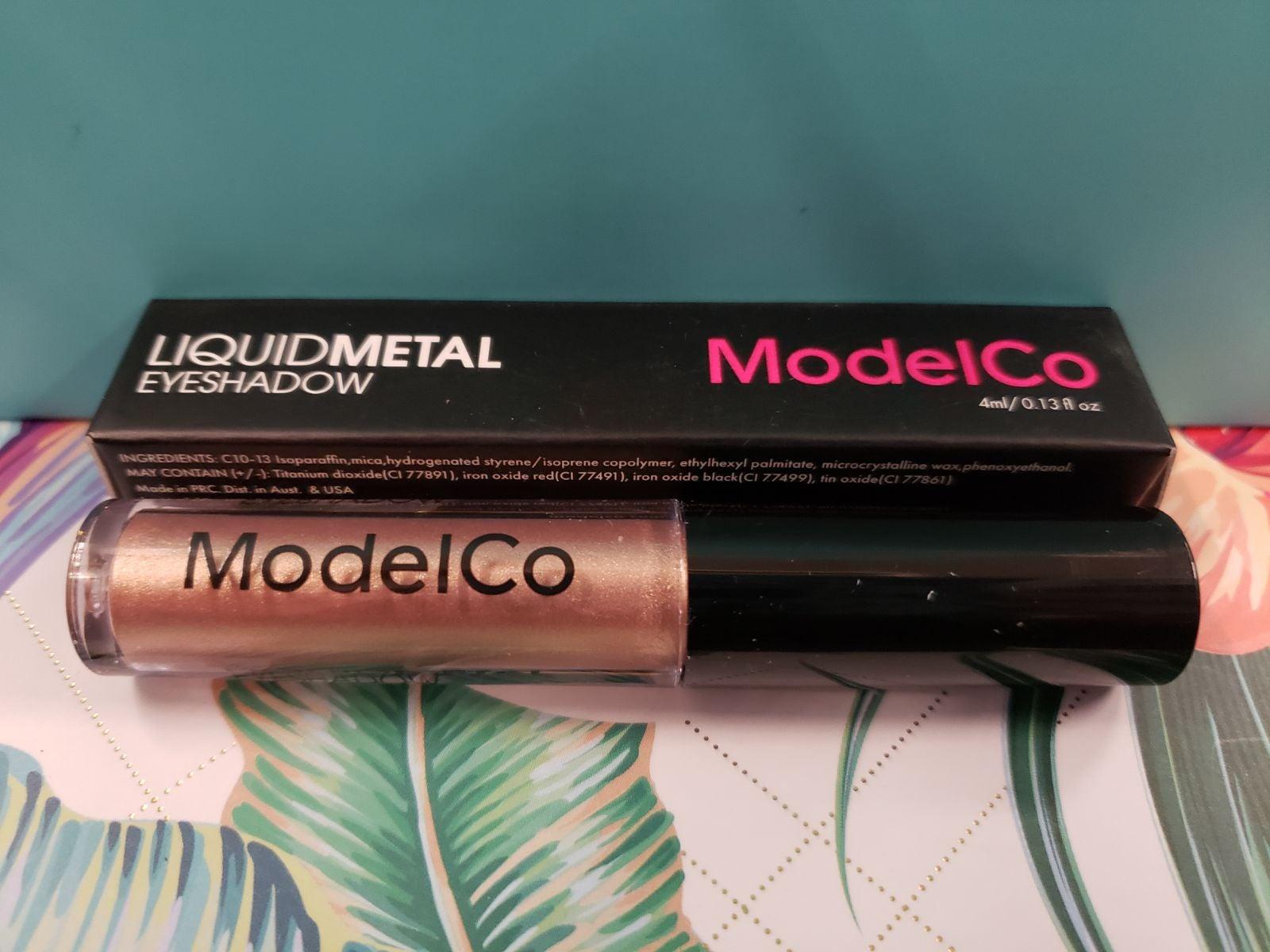 Model Co Liquid eyeshadow champagne