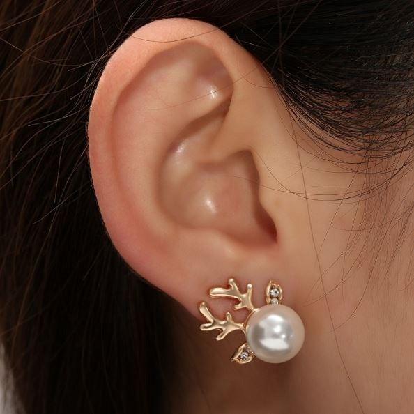 Pearl Deer Stud Earrings (Gold)