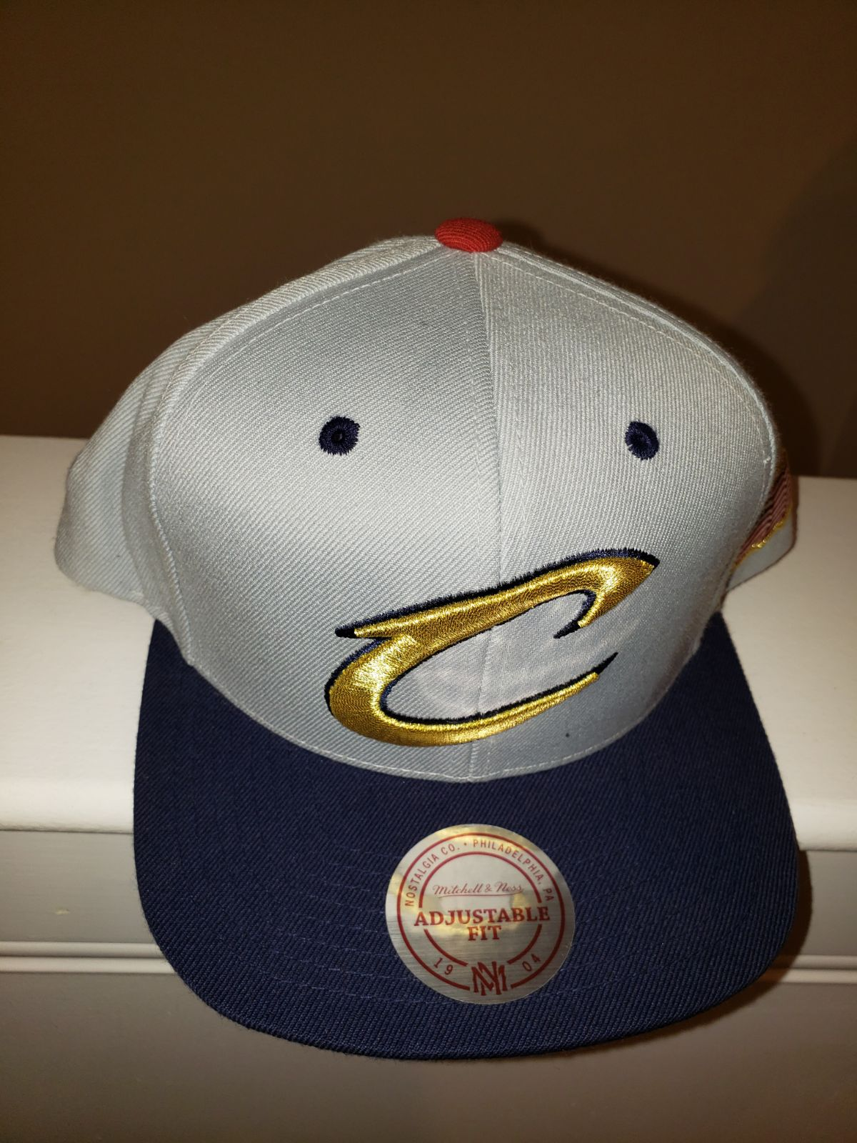 New, MITCHELL & NESS Cleveland hat