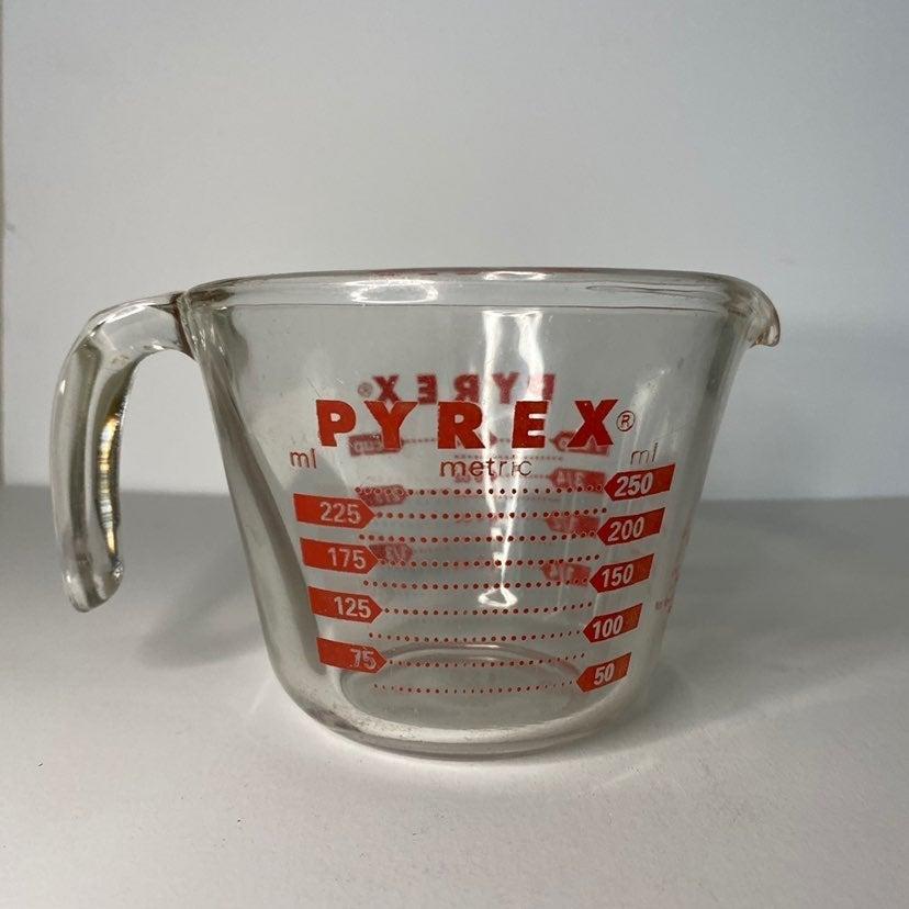 Vintage Pyrex 1 Cup Measuring Cup