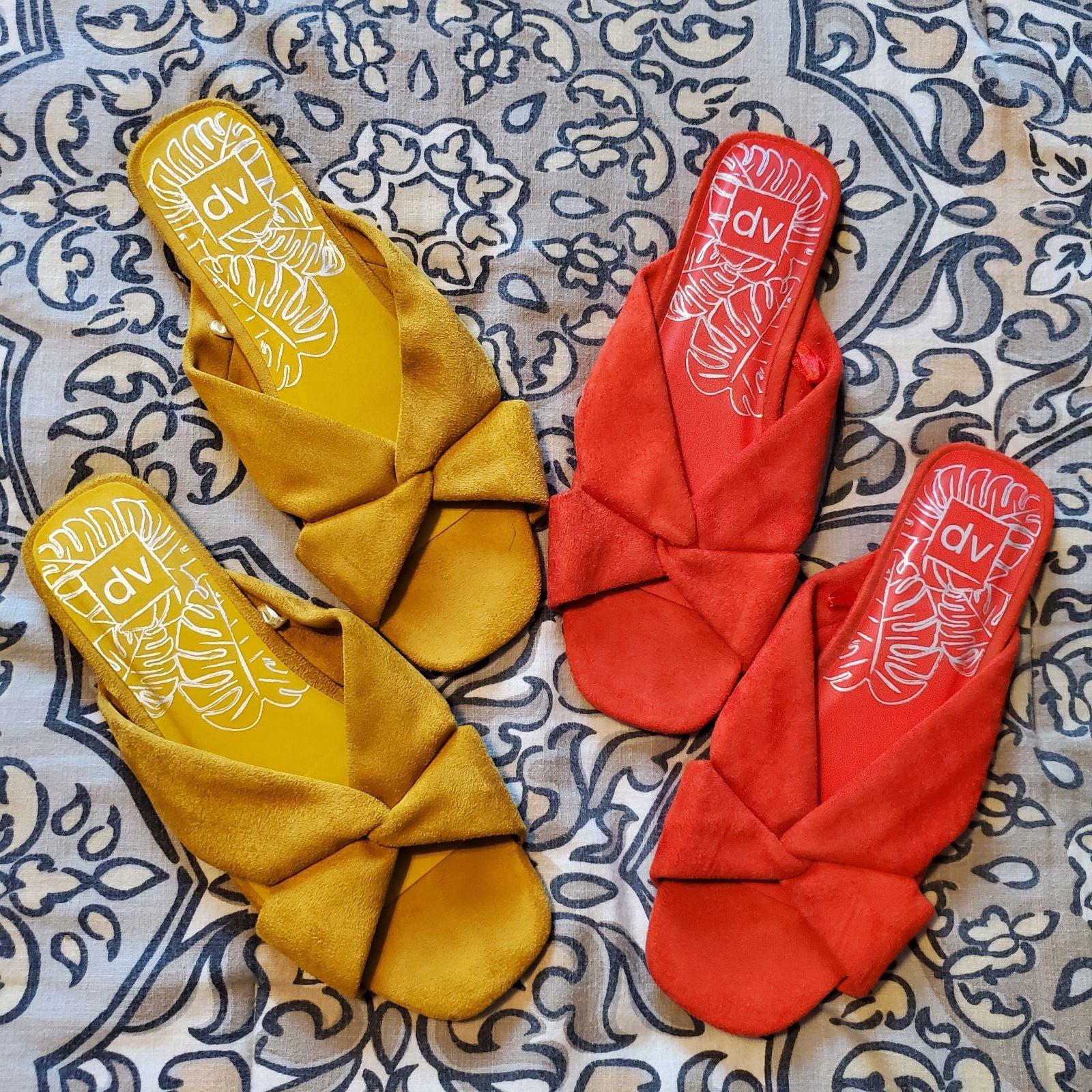 Womens 10 DV Suede Slide Sandals Set