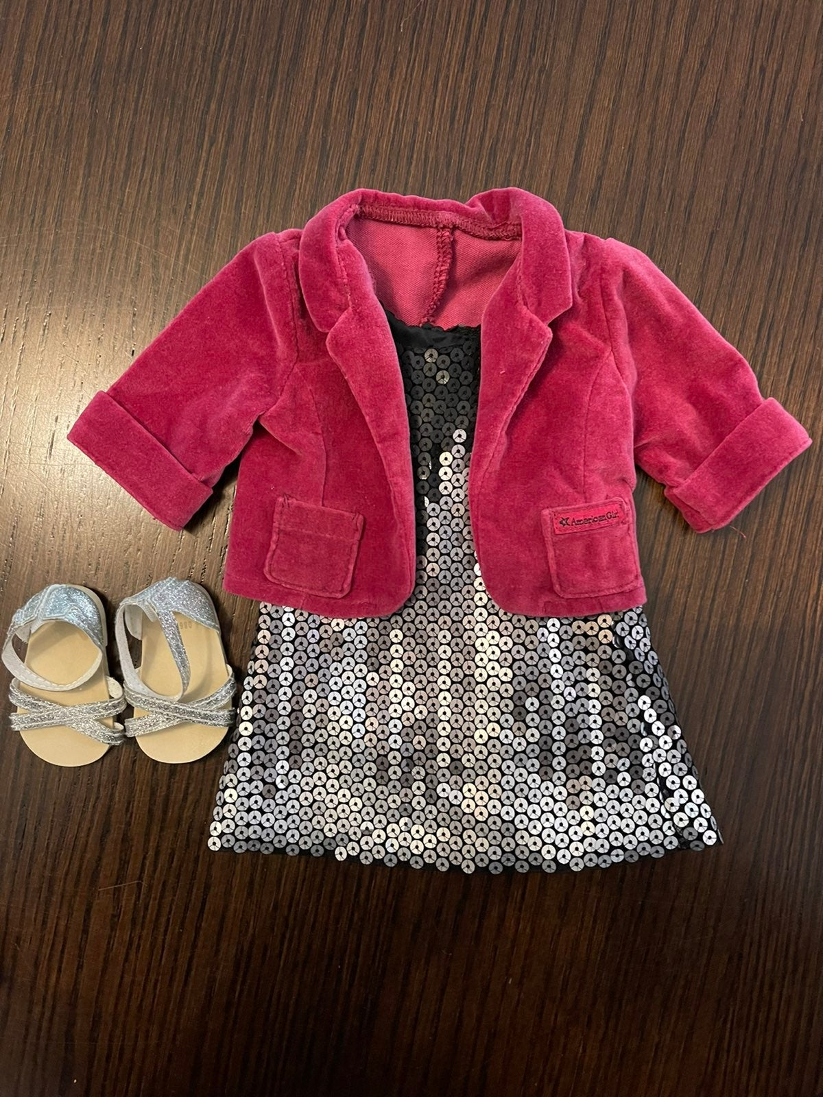 AG Tenney's Sparkling Performance Outfit