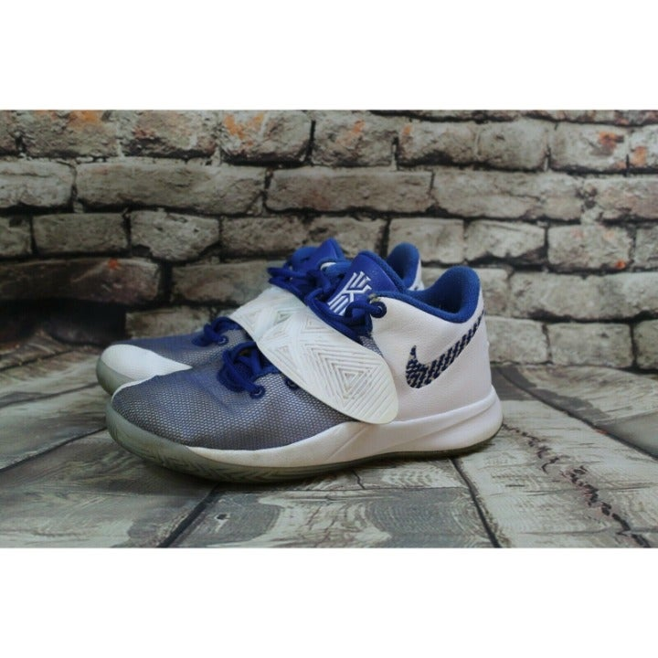 Nike Kyrie Flytrap III 3 GS Basketball White Royal Blue Youth: 4.5Y BQ5620-100