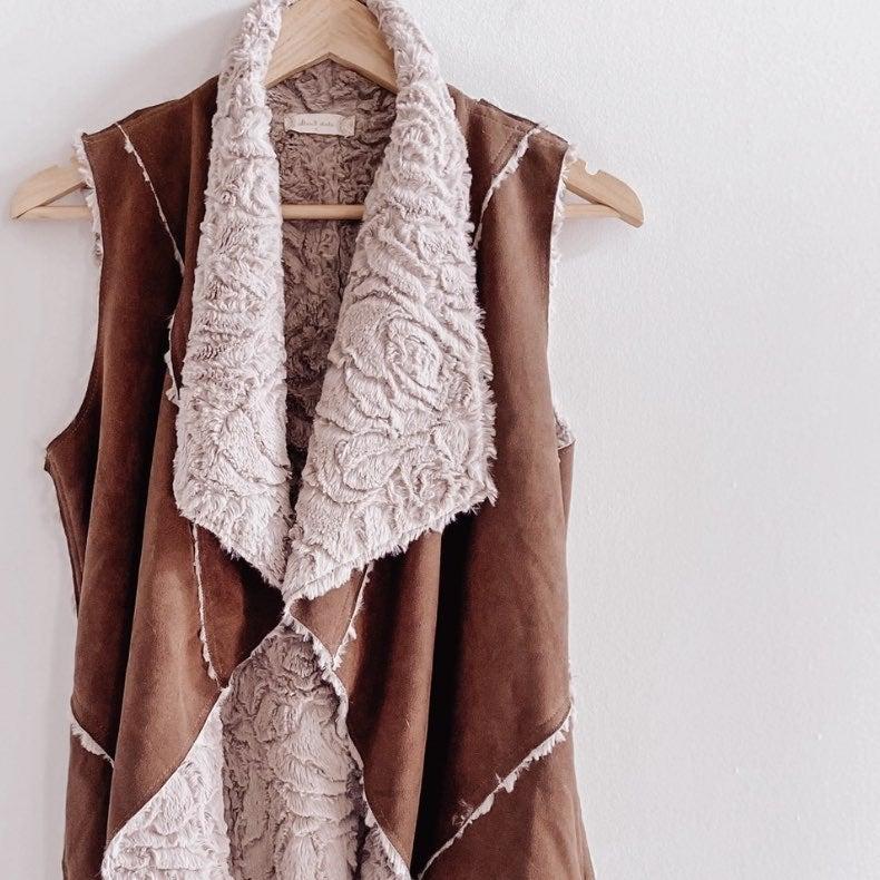 altar'd state faux fur/ suede vest SMALL