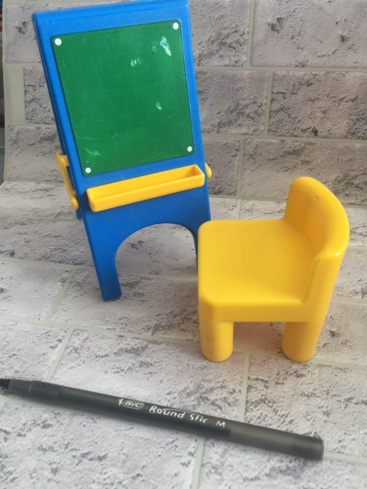Little tikes dollhouse chalkboard easel
