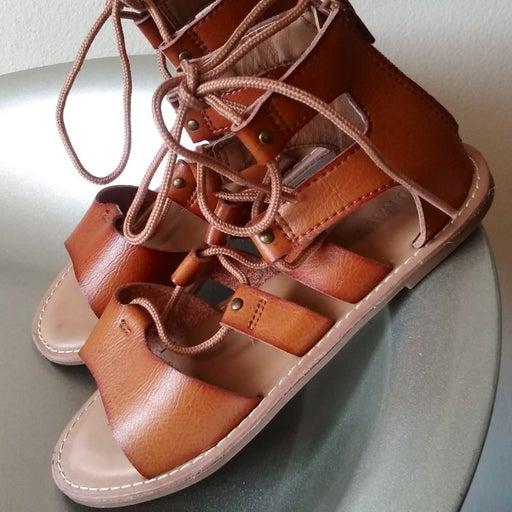 Old Navy little Girls sandals