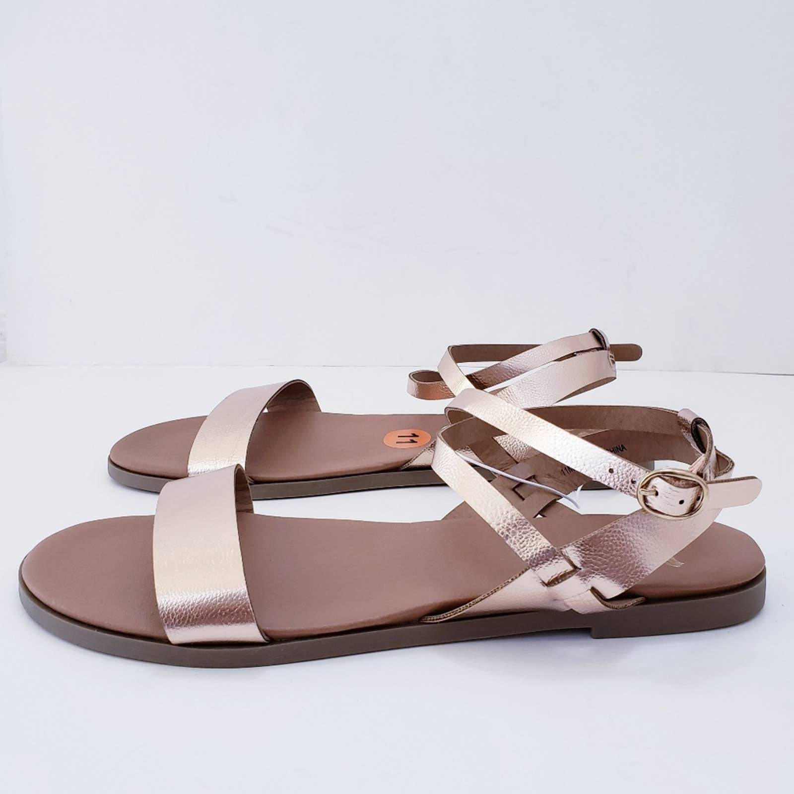 Report Woman's Strappy Rose Gold Sandals