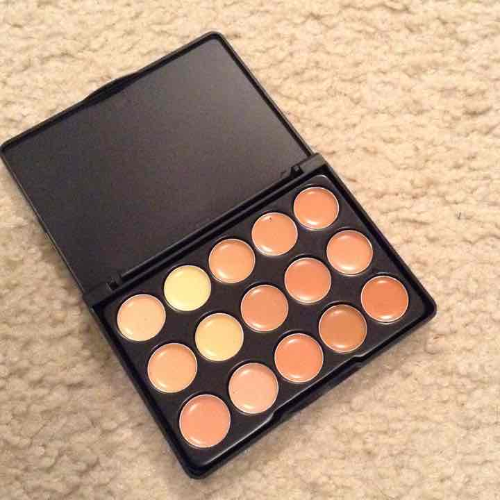 Cream Contour and concealer compact