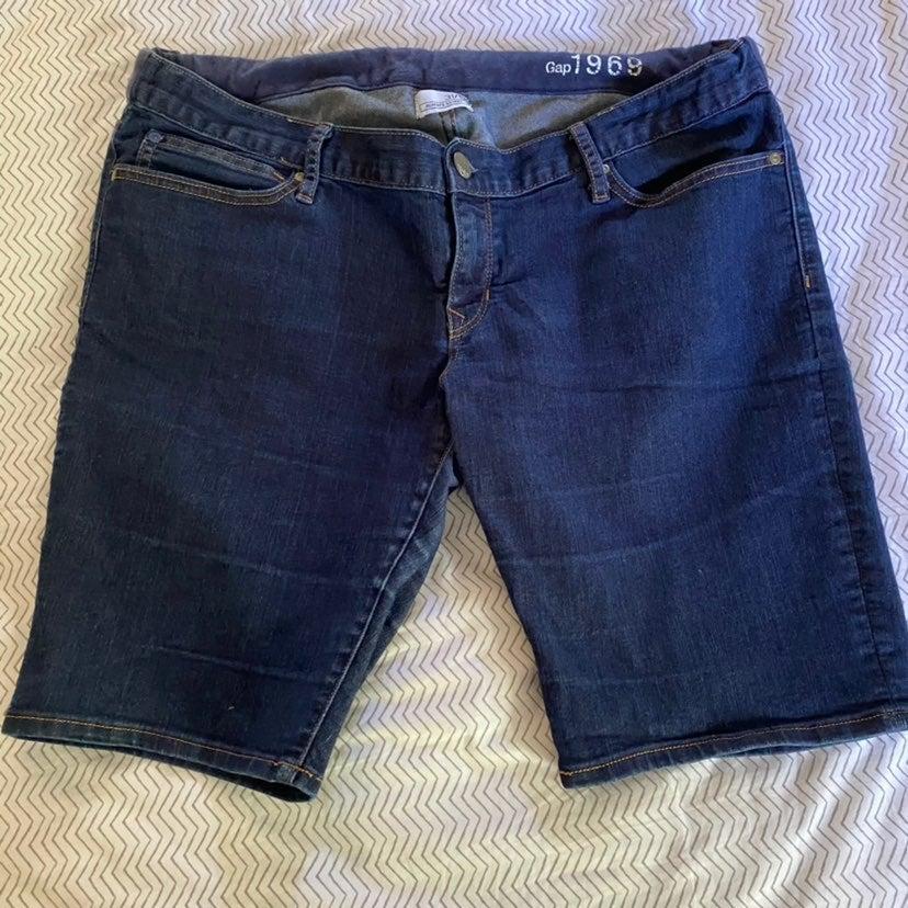 Gap Maternity size 12 shorts
