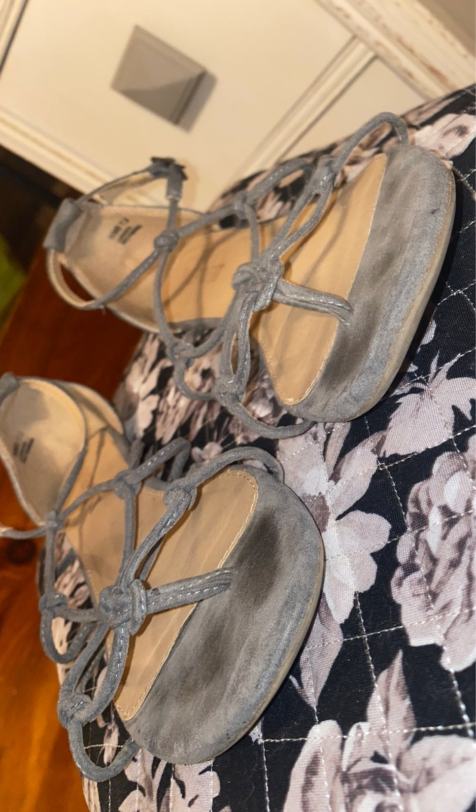 Report Grey Sandals