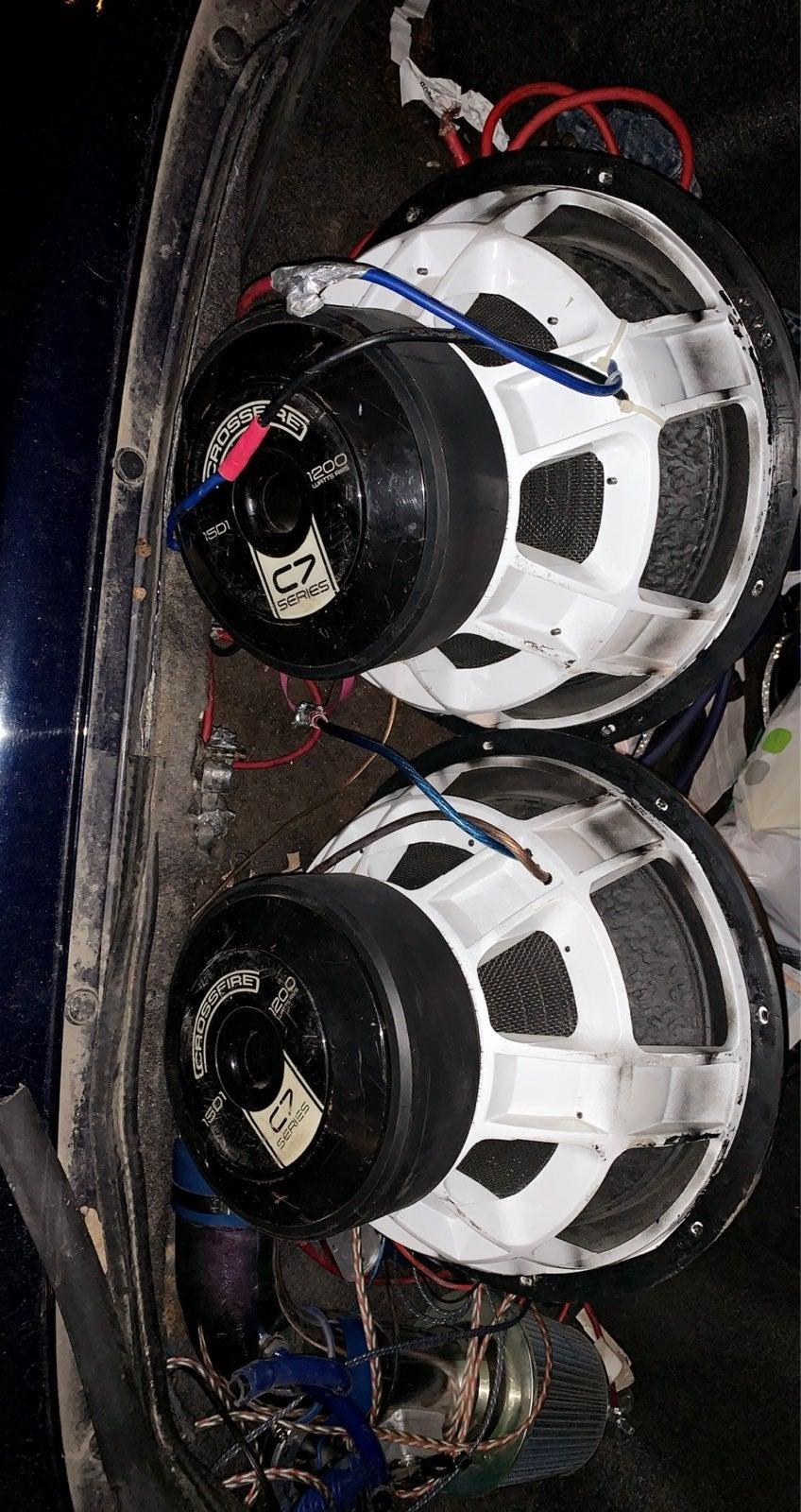 Crossfire C7 15's speakers