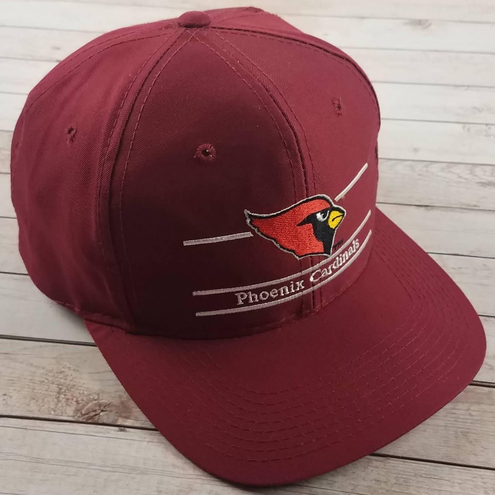 VTG 90s Cardinals Split Bar Snapback Hat