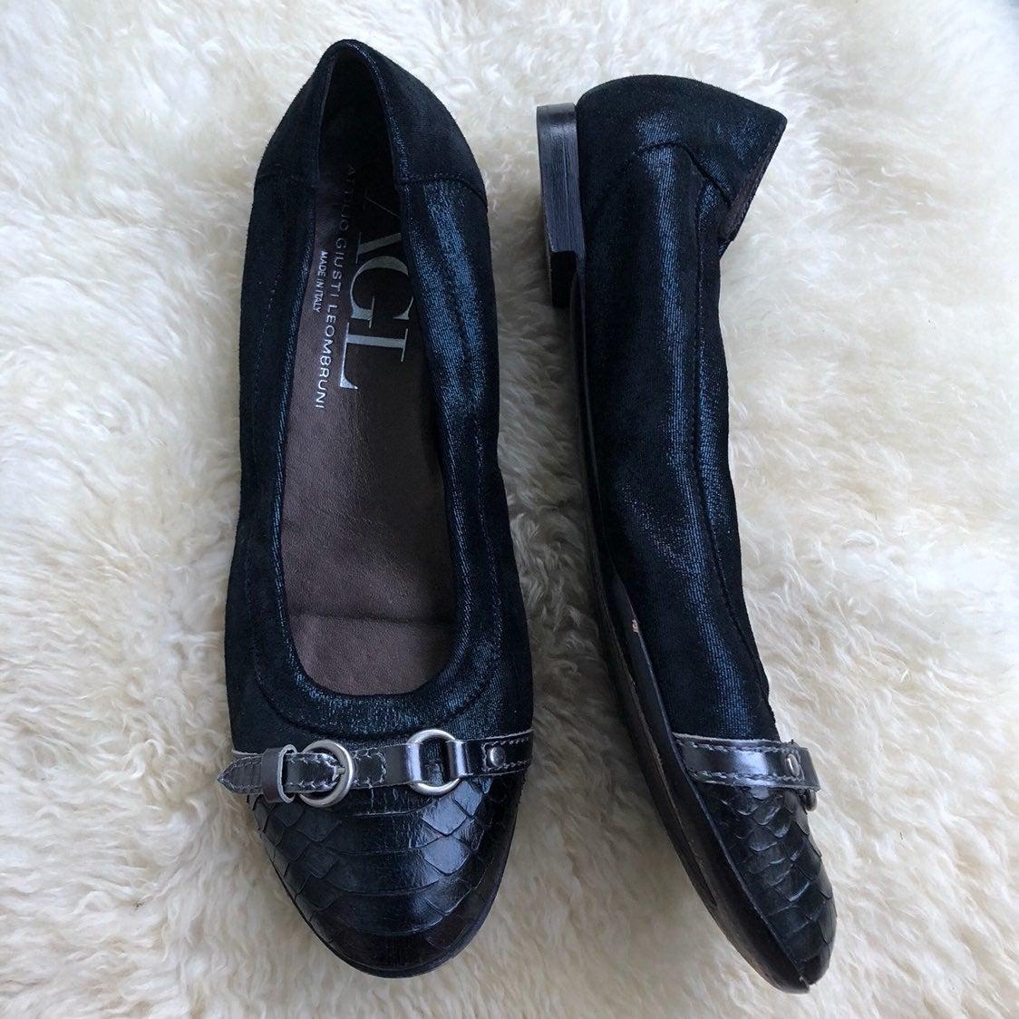 40 AGL Black Cap Toe Ballet Flats