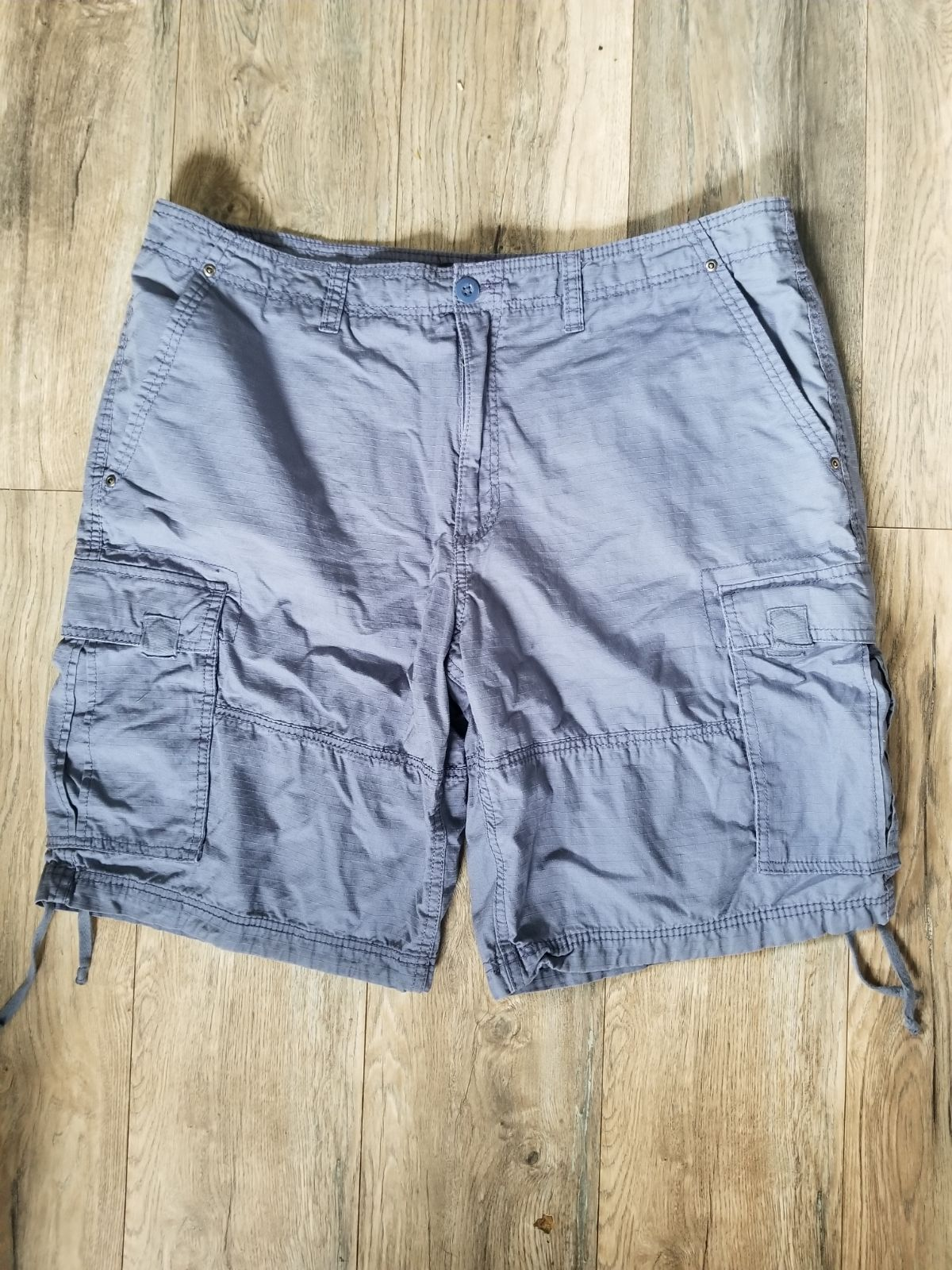 OP mens size 40 cargo shorts