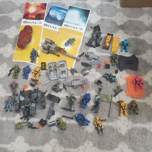 Mega Bloks Halo lot of figures weapons a