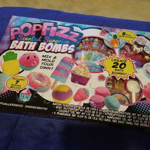 POP FIZZ Scented Surprise Bath Bombs.