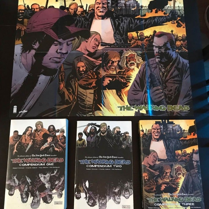 The Walking Dead Compendium 1-3 & Poster