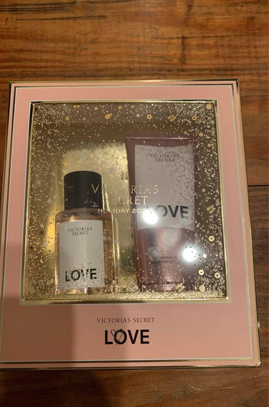 Victoria's Secret gift set Love fragranc