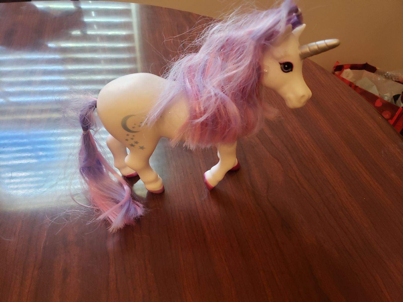 2017 Breyer Color Changing Unicorn