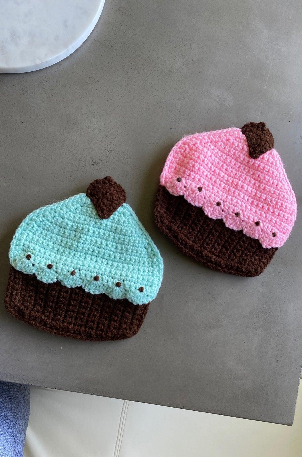 Crochet cupcake oven mitts