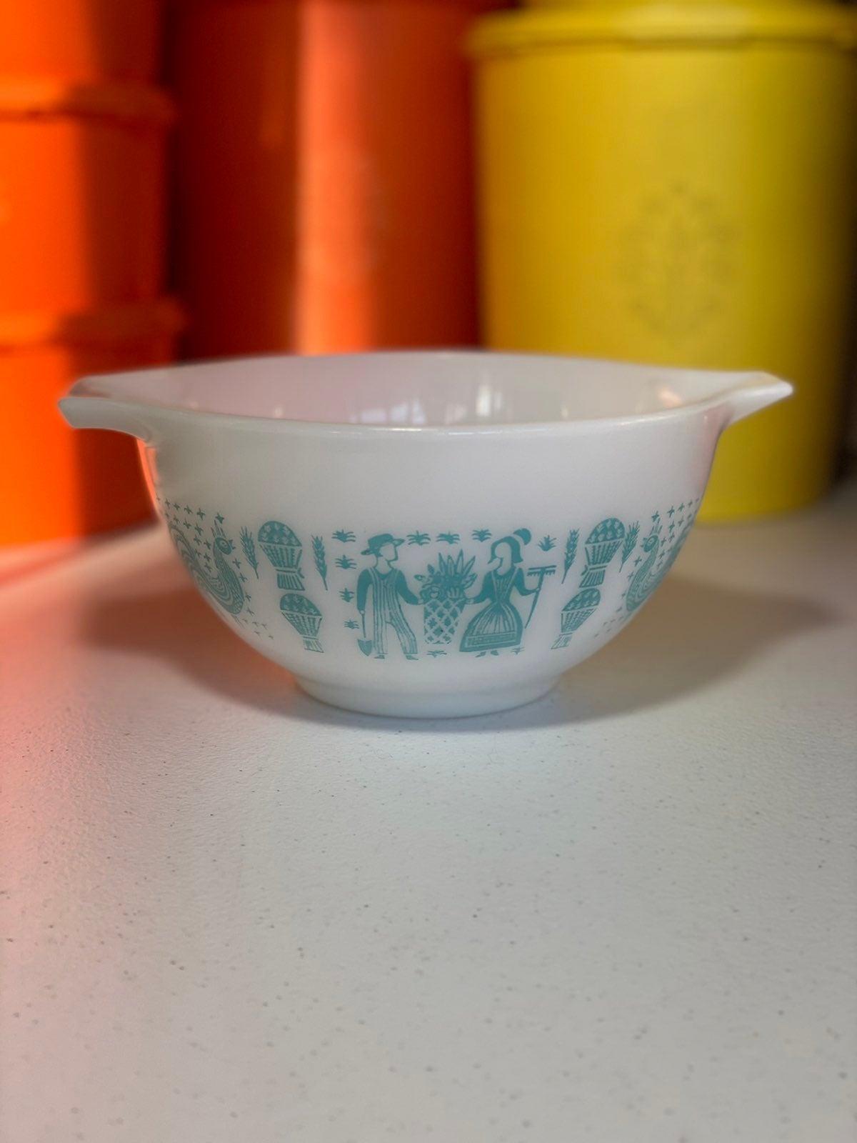 Pyrex Butterprint 441 Cindrella Bowl
