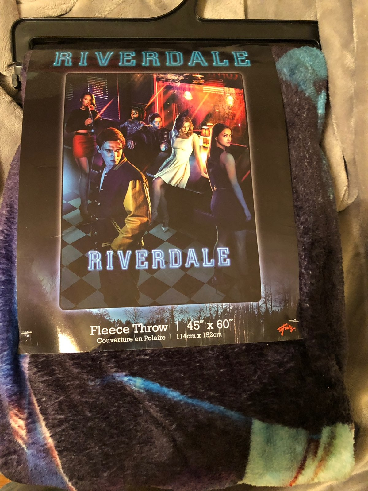Riverdale Group Diner Throw Blanket