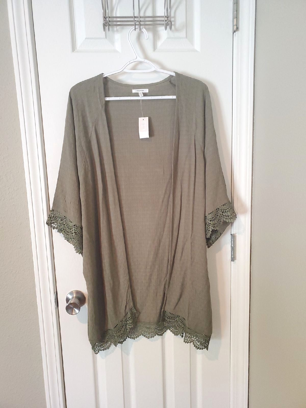 Maurices XS Green Kimino Top NEW