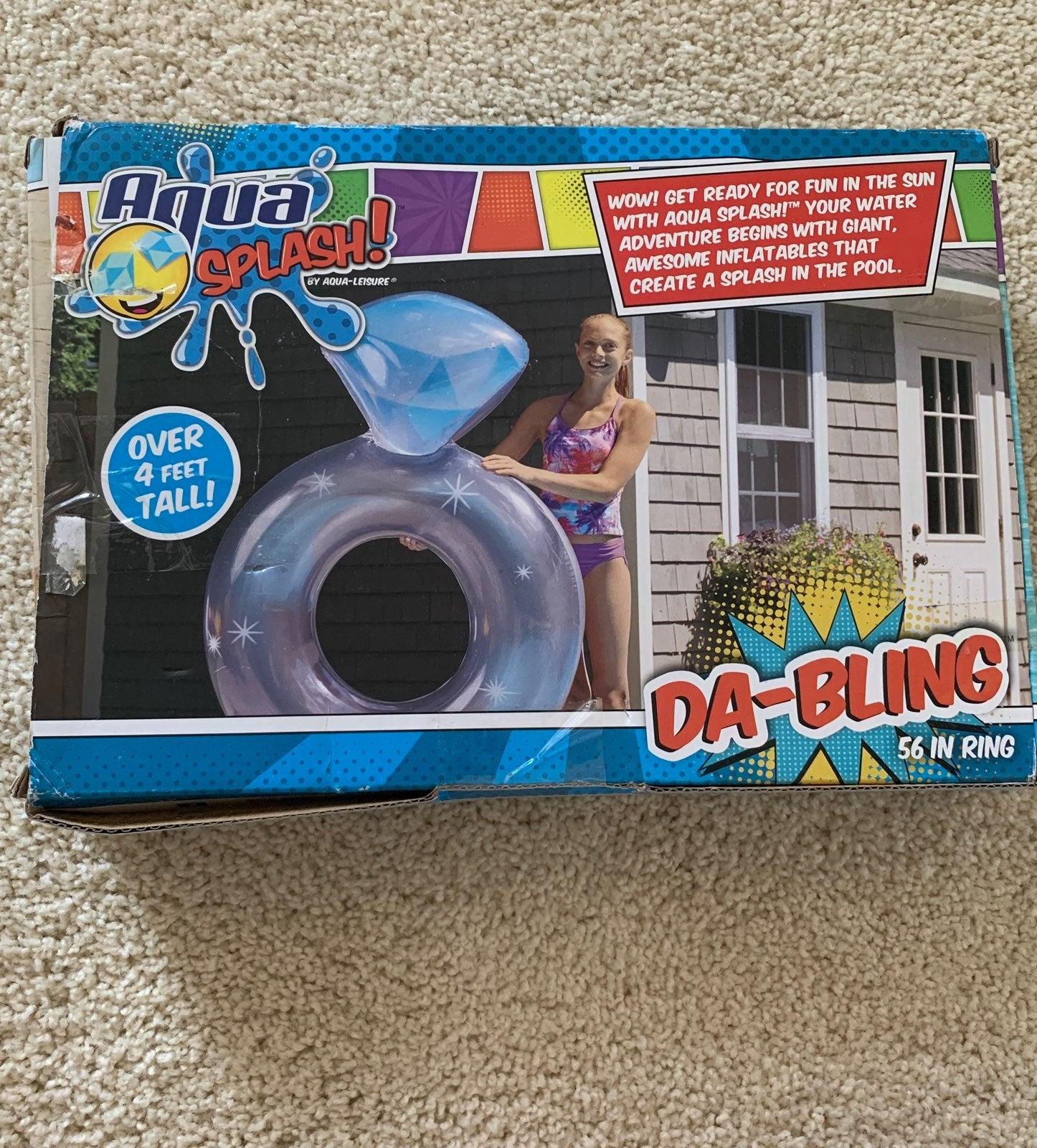 Aqua splash pool float
