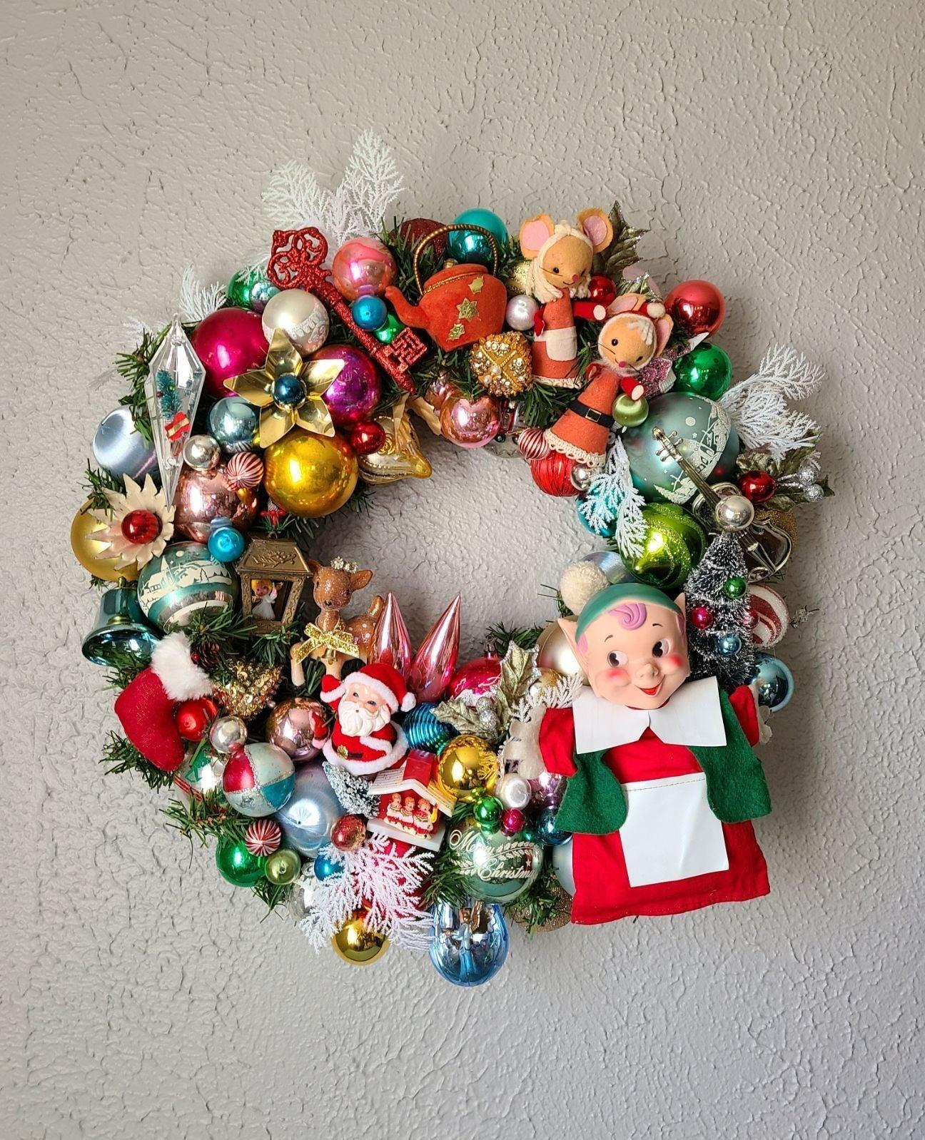 Retro Kresge Elf Mice Ornament Wreath