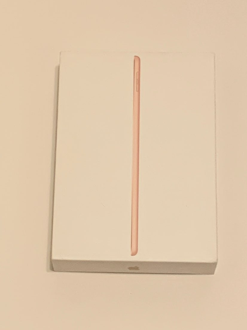 iPad 6th generation Gold 32 GB Box