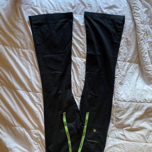 XS Crocs scrub pants