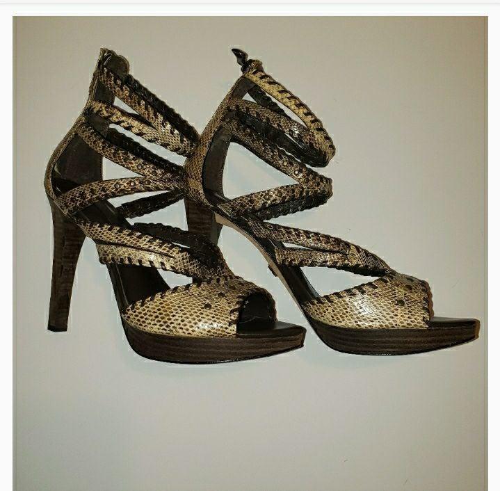 NIB BCBG MaxAzaria snakeskin heels 10