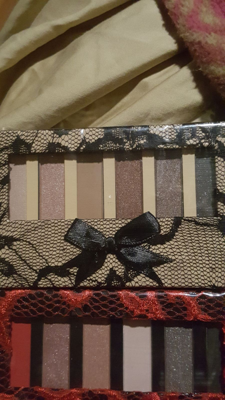 2 eyeshadow palettes by Bronx Colors