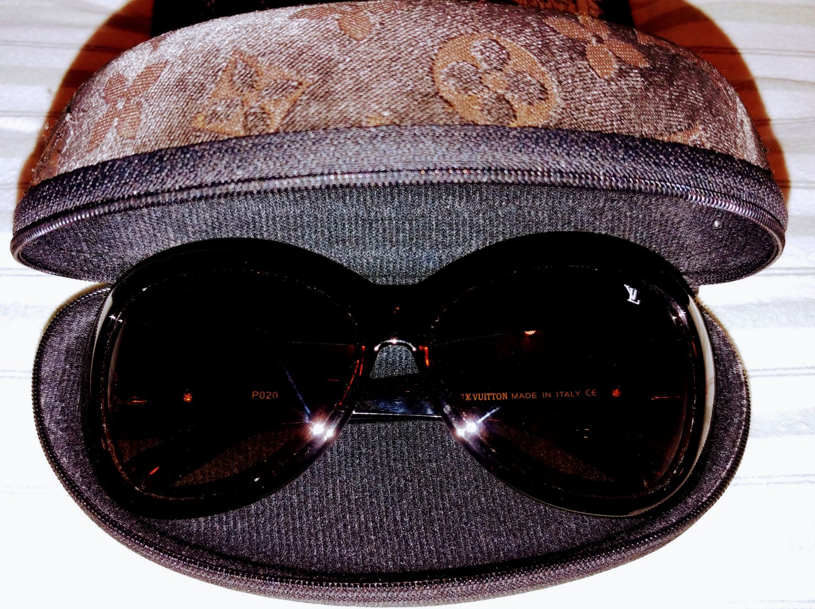 Louis Vuitton sunglasses (women)