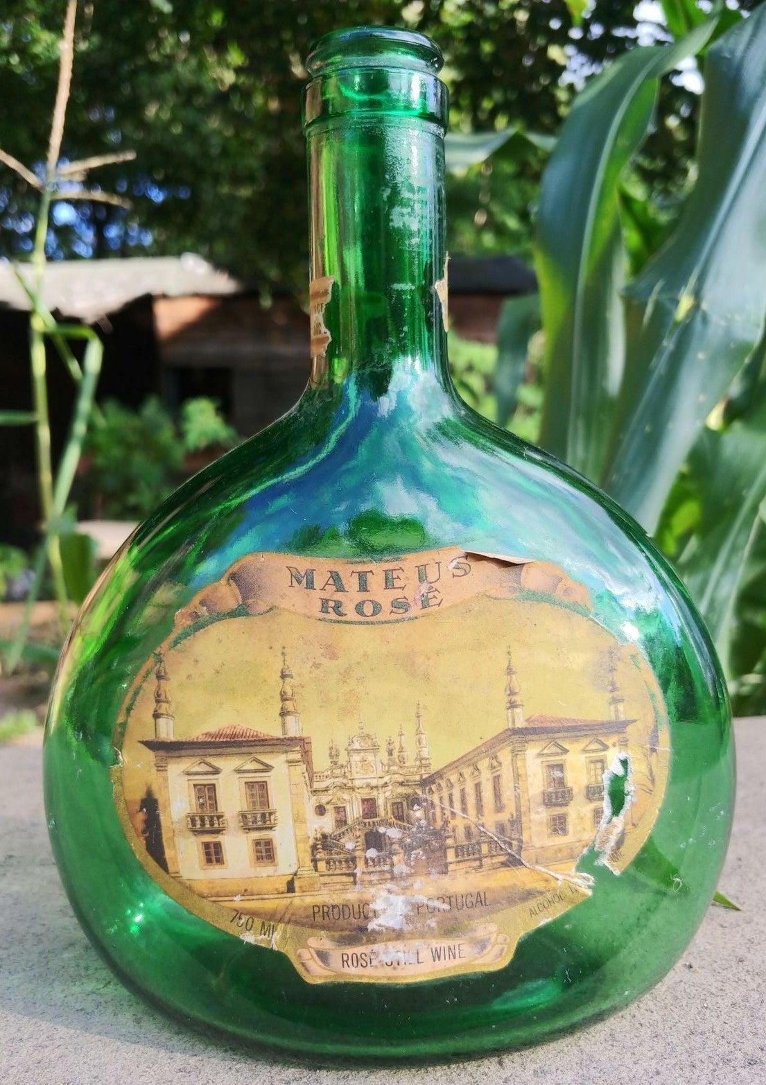 ANTIQUE RARE GREEN WINE BOTTLE