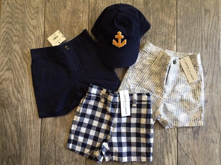 Janie & Jack 3 pairs boys shorts & hat
