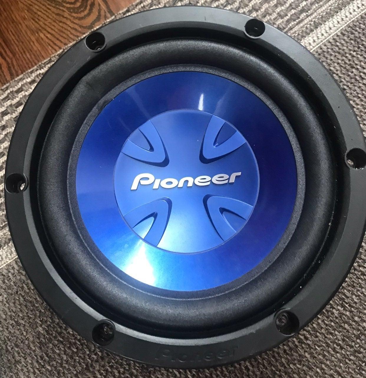 Pioneer subwoofer