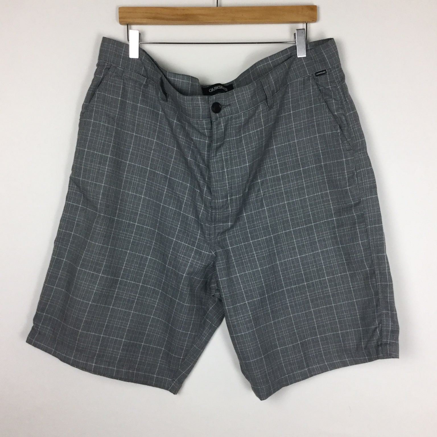 Quiksilver Gray Shorts Size 40