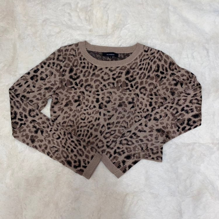 Olivaceous cropped sweater