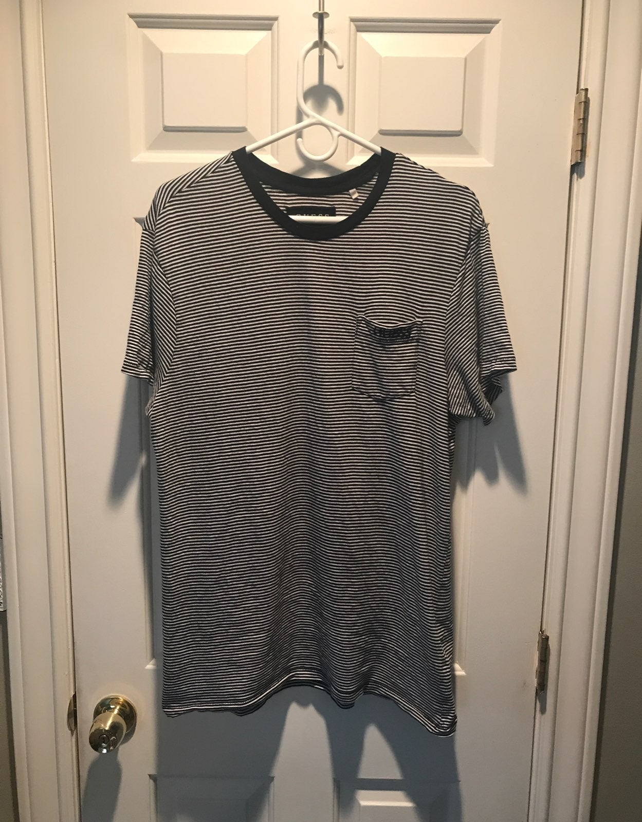 Men's Guess Pinstriped T-shirt Large